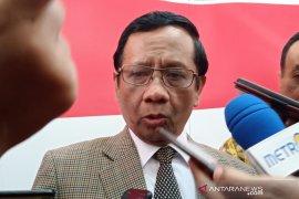 Mahfud MD terima daftar tahanan politik di Papua dari BEM UI
