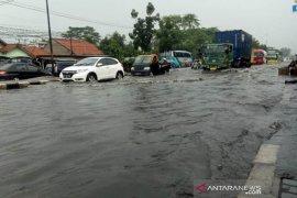 Banjir di kawasan Kahatex merugikan pariwisata Garut