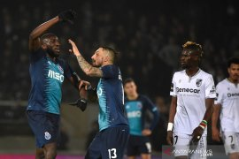 Jadi sasaran rasisme, Striker Porto  Moussa Marega tinggalkan lapangan