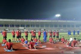 Shin Tae-Yong atur seragam pemain timnas