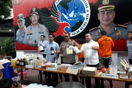 Pabrik kosmetik ilegal di Depok miliki keuntungan Rp200 juta per bulan