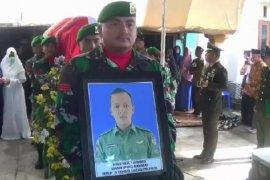 Jenazah korban Mi-17 Kopda Dwi Purnomo dimakamkan di Magetan