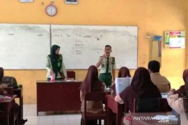 "Mahasiswa Polbangtan Medan ""Goes to School"""