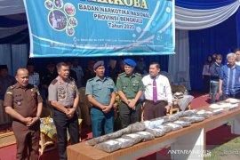 BNNP Bengkulu musnahkan 2, 02 kg shabu dan 21,38 kg ganja