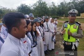 Satuan Lantas Polres Kutai Barat Sambangi Sekolah Kampanye Tertib