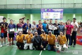 Ganda Putra Hotel Mercure juara pertama Turnamen Open Badminton PHRI 2020