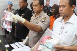 Penjual obat penggugur kandungan ilegal di Madiun ditangkap