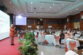 Dampak Perkembangan dunia, Risma kumpulkan pelaku usaha di Surabaya