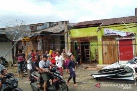 Puluhan rumah di Gunungsitoli rusak diterjang puting beliung