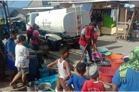 PMI Ambon bantu penyaluran air bersih