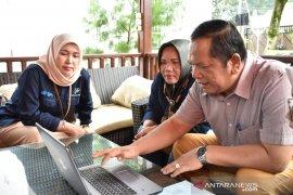 Wali Kota Padangsidimpuan bersama istri isi data Sensus Penduduk 2020