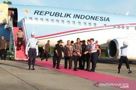 Presiden Jokowi mendarat di Lanud Roesmin Nurjadin Pekanbaru