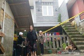 Longsor di Bogor tewaskan satu keluarga