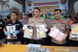 Polisi Cirebon tangkap 39 pengedar dan pengguna narkoba