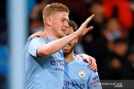 Manchester City jaga jarak dengan Liverpool setelah tundukkan West Ham 2-0