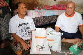 ACT Bali bantu Samtanus yang lansia tunanetra
