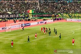 Taklukkan Persija 4-1 Persebaya juara Piala Gubernur Jatim 2020