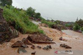 Tanggul Sungai Piji Kudus jebol lagi sepanjang 10 meter