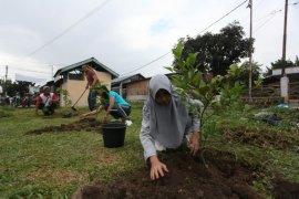200 bibit pohon ditanam di Lapangan Horbo Pematangsiantar