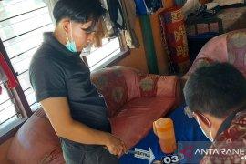 Lantaran kesal, nenek berusia 62 tahun asal Agam menusuk suaminya hingga ususnya berburai