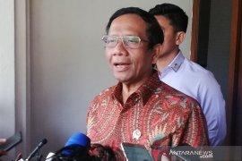 Menko Pol Hukam Mahfud MD sebut dua ancaman kedaulatan secara terorial