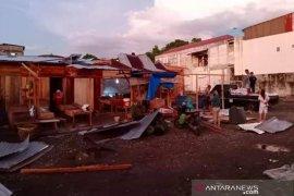 Angin puting beliung kembali melanda  Gunungsitoli