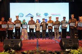 Banyuwangi peroleh penghargaan dari KPP Pratama