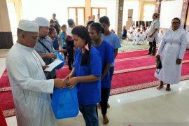 Kapolda Maluku: Berbagi kasih diajarkan semua agama