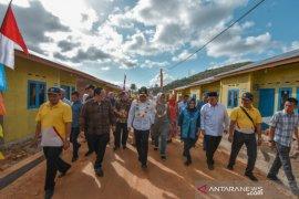Gubsu bersama Wali Kota Padangsidimpuan resmikan 74 unit rumah pekerja