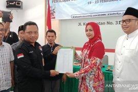 Pasangan Faida-Vian serahkan berkas dukungan ke KPU Jember