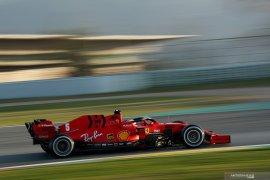 Mercedes curiga Ferrari miliki mobil lebih cepat. Ini alasannya