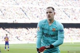 Ter Stegen tidak mau terburu-buru perpanjang kontrak di Barcelona