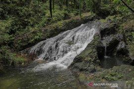 Serunya melancong ke Air Terjun Batang Koban di Kuansing Riau
