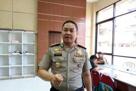 Polda Jatim uji kandungan obat kuat dan jamu ilegal yang disita di Surabaya