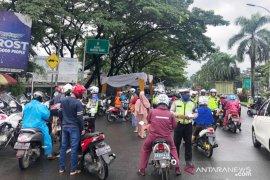 Samsat Bogor raup Rp114 juta sehari operasi tertib kendaraan