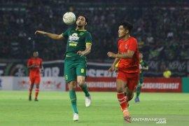Empat pemain asing Persebaya siap turun di laga pembuka Liga 1