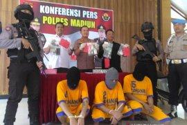 Polisi Madiun tangkap tiga pelaku penyalahgunaan narkoba
