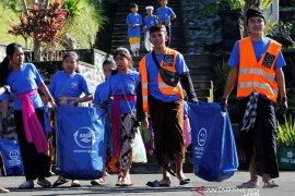 12.500 krama Bali ikuti 'Gerakan Bersih Pulau Dalam Satu Hari!'