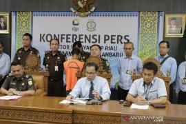 Kawil DJP Riau serahkan tersangka pengemplang pajak rugikan negara Rp735 ke jaksa