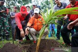 DLHK Denpasar tebar ribuan benih ikan di Dam Peraupan