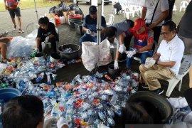 Warga Serpong diajari pengolahan limbah rumah tangga
