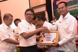 Wako Pariaman raih penghargaan pembina terbaik dana desa tingkat Sumbar