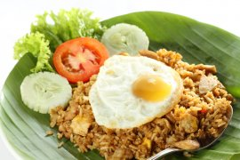Nasi goreng jadi menu favorit di maskapai Qatar Airways