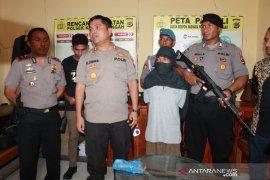 Polres Kupang tangkap pelaku pembunuhan sadis di Desa Oelpuah
