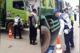 Gubernur Wahidin perintahkan Dishub tindak tegas truk overtonase