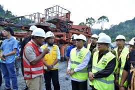 Fachrori cek progres pembangunan PLTA Batang Merangin Kerinci