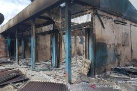 Polisi selidiki kebakaran 12 kios di Dekai