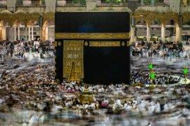Luhut: Menlu masih lobi Arab soal penghentian sementara umrah