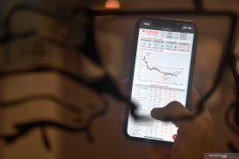 IHSG awal pekan ditutup merosot, dipicu data inflasi April