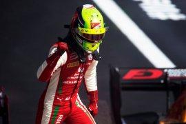 Mick Schumacher selangkah lagi rebut titel F2 di Bahrain